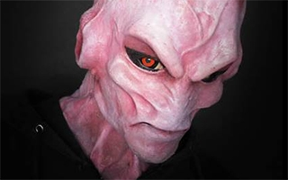 Dragon Ball Z : l'impressionnante transformation d'une cosplayeuse en Majin Buu