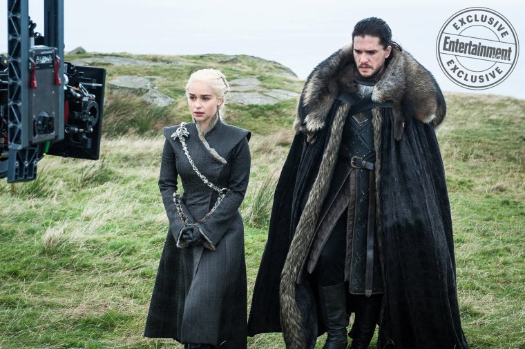 Game of Thrones - Emilia Clarke et Kit Harington sur le tournage de la saison 7