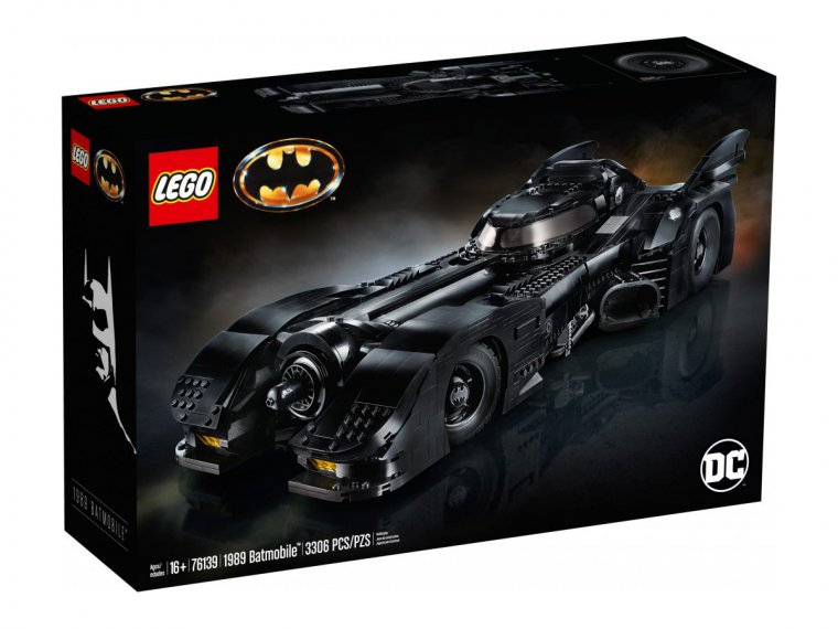 LEGO Batmobile Tim Burton 01