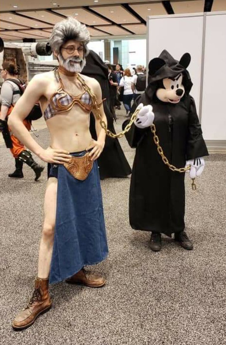 Star Wars Celebration 2019 - Cosplay  George Lucas esclave