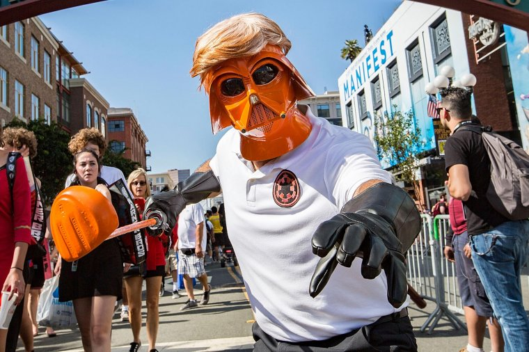 Les plus beaux cosplays du Comic-Con de San Diego 2018 - Dark Vador Trump