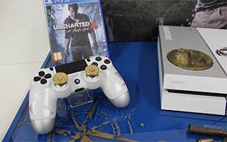 Une PlayStation 4 Uncharted 4 créée par un fan